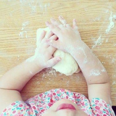 cuisiner avec son enfant