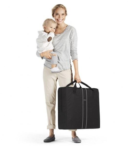 Bébé en voyage avec maman